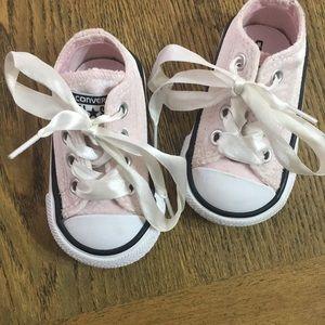 CONVERSE kids pink low top sneakers